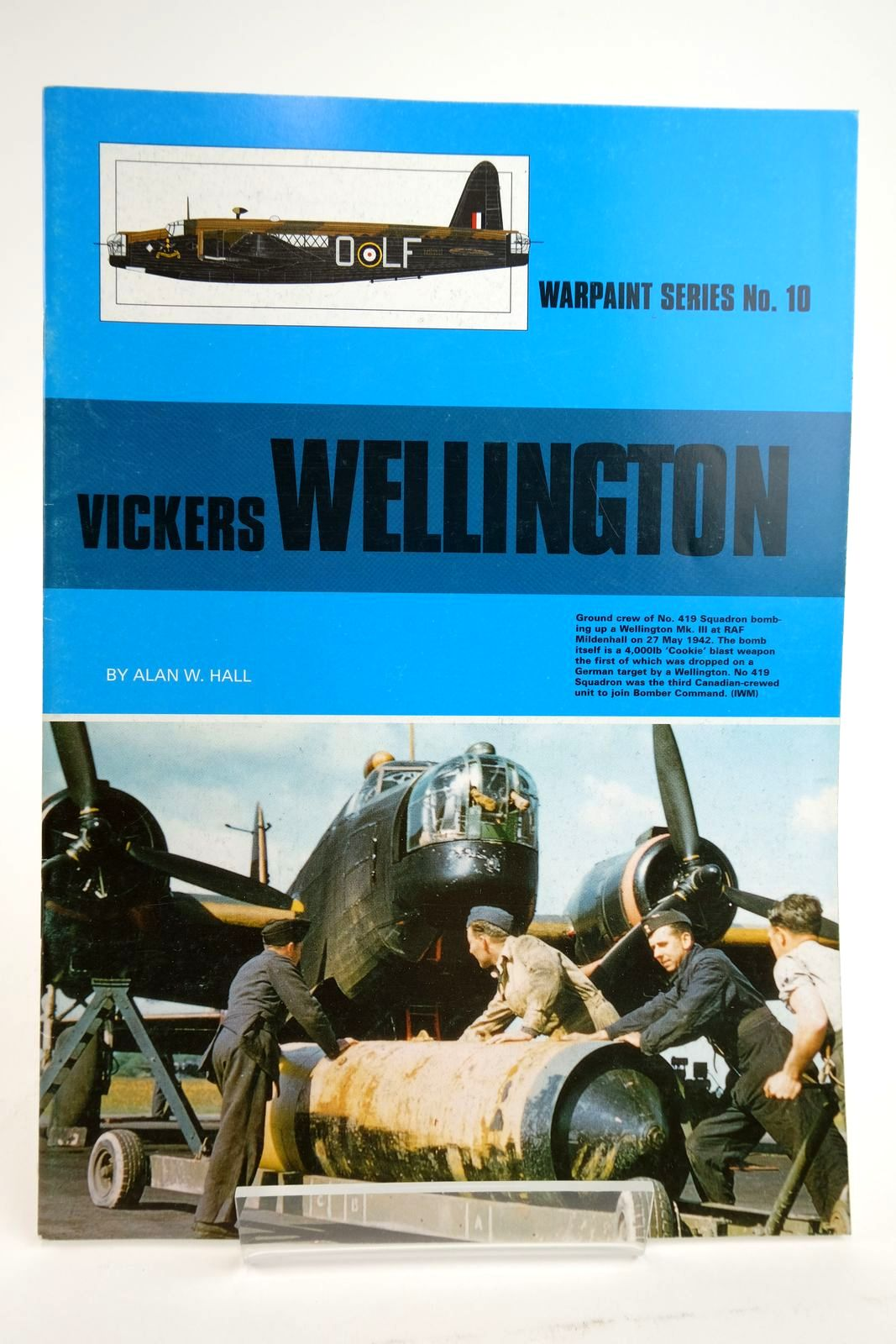 Photo of VICKERS WELLINGTON written by Hall, Alan W. published by Hall Park Books Ltd. (STOCK CODE: 2135046)  for sale by Stella & Rose's Books