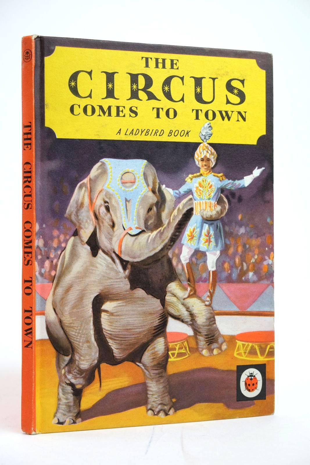 Photo of THE CIRCUS COMES TO TOWN- Stock Number: 2135155
