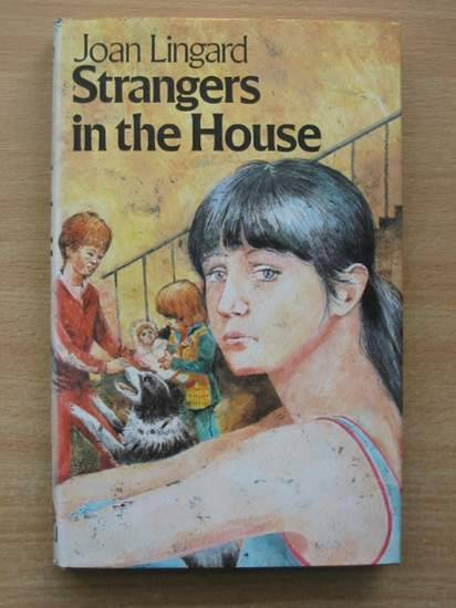 Photo of STRANGERS IN THE HOUSE written by Lingard, Joan published by Hamish Hamilton (STOCK CODE: 425658)  for sale by Stella & Rose's Books