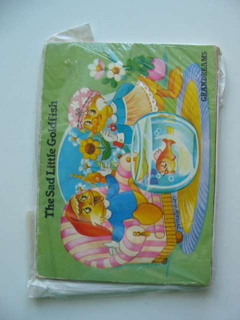 Photo of THE SAD LITTLE GOLDFISH published by Grandreams Limited (STOCK CODE: 619952)  for sale by Stella & Rose's Books