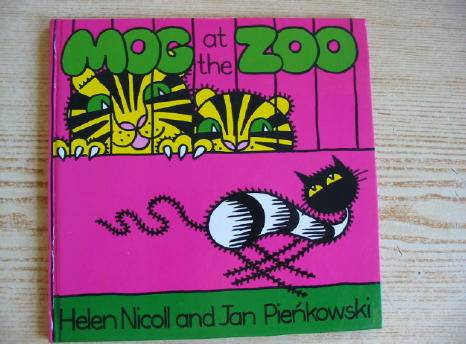 Photo of MOG AT THE ZOO written by Nicoll, Helen illustrated by Pienkowski, Jan published by Heinemann (STOCK CODE: 730614)  for sale by Stella & Rose's Books